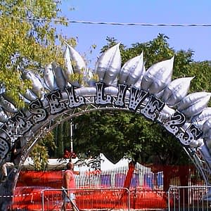 Inflatable silver leaves
