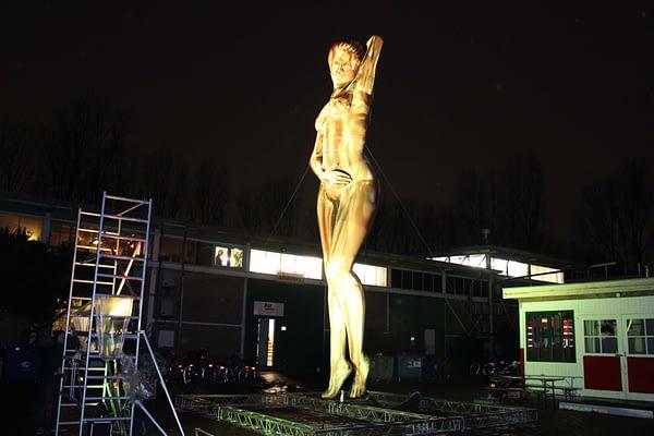 9m inflatable gold venus