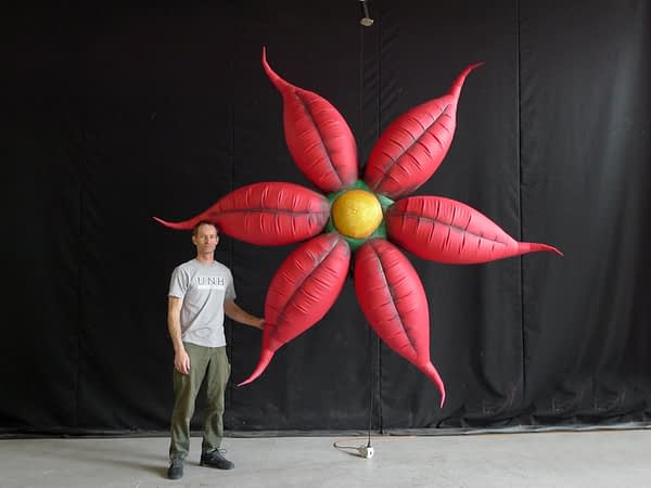 3.5m printed red flowers