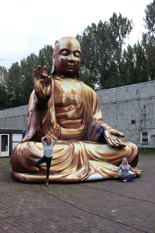 7.5m gold Buddha inflated